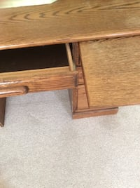 Oak desk with matching chair( not pictured) Carpinteria, 93013