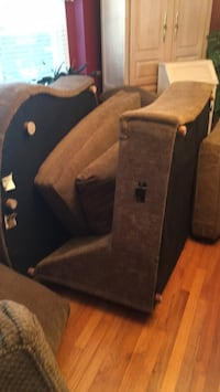 black and gray car seat Massapequa, 11758