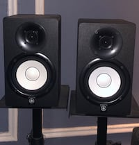 Yamaha HS5 Monitors w/ Stands & Cords