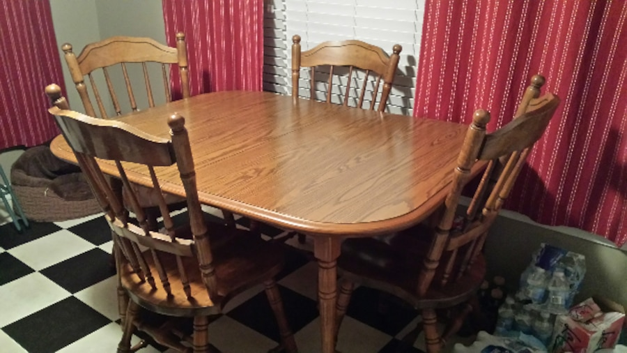 Used Dinning Room Table In Columbia SC