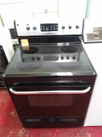 Frigidaire glass top Electric stove Cleveland, 44102