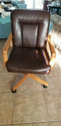 Four brown leather  rolling armchairs Casa Grande, 85194