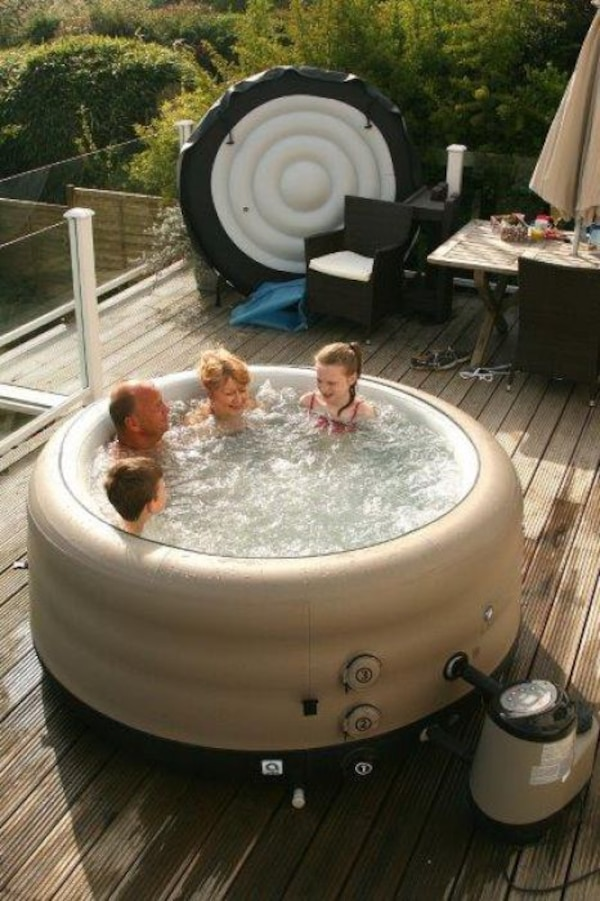 Used Canadian Spas Company 4-person hot tub. for sale in Royal Oak ...
