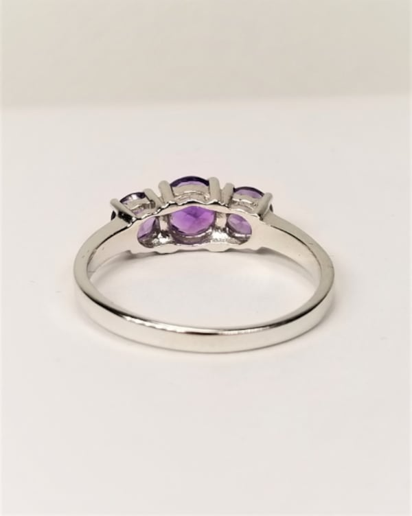 3-Stone Natural African Amethyst 925 Sterling Silver Ring 313bf47d-7ce0-475f-bb84-0c89110c47df