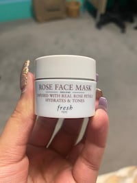 Rose face mask (Fresh) Toronto, M9W 4C3