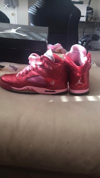 Pair of pink/red valentine Jordans Columbus, 43227