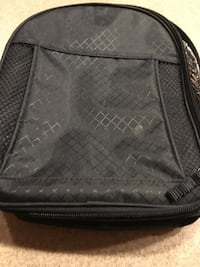 "New small Thirty-one navy blue lunch bag 8"" w x 10"" h x 3"" d Fairfield, 45014"