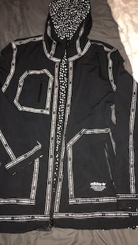 black and white zip-up jacket Mississauga, L5R 1K9