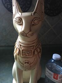 Egyptian cat statue Barrie, L4N