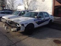 Ford - crown victoria - 2011