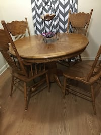 Solid wood dining table Chesapeake, 23322