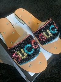 Woman's slides size 9  Germantown, 20876