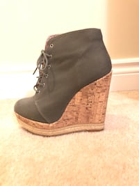 Army green corkscrew wedge booties Mississauga, L5N 8H1