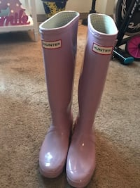 Tall Hunter Boots size 8  Washington, 20011