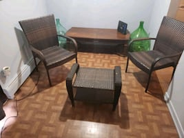 Wicker outside table and chairs