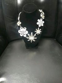 Necklace new with tags Santa Rosa, 95401