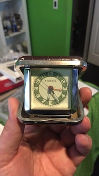 FOSSIL Collectible Clock In A Box. Good condition. Missing original box it came in. Price is negotiable. Makes for a great giftl Woodbridge, 08863