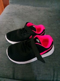 Girls shoes size 9 Kingsport, 37660