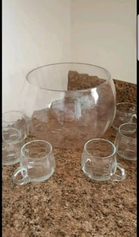 clear glass pitcher and cups Port Saint Lucie, 34953
