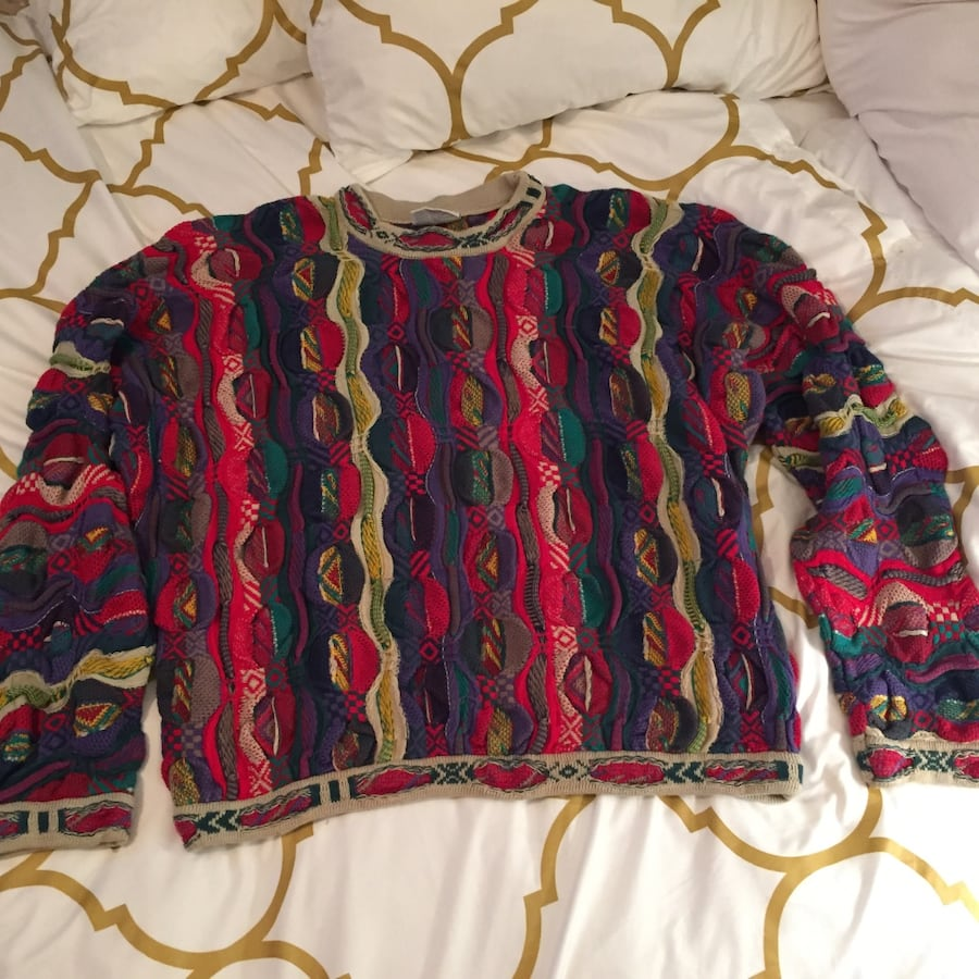 Vintage coogi sweater size large in excellent condition!