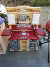 Toddlers   kitchen