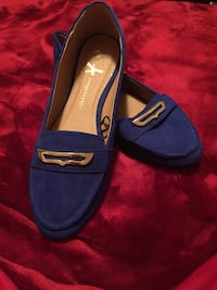 Royal blue flats with Gold buckle size 8 Lorton, 22079