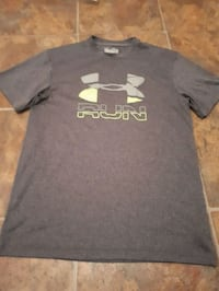 Under  Armour tee (s) Victoria, V8X 1W1