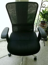 4 black conference table  rolling chairs Alexandria, 22305