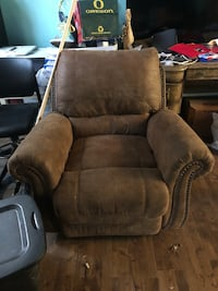 brown leather recliner sofa chair Tualatin, 97062