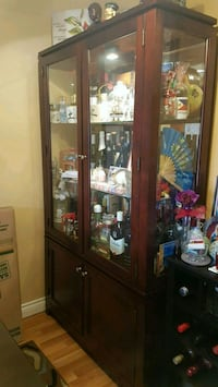 HUTCH & BUFFET ((ONLY)***OBO*** Coquitlam