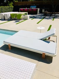 Paola Lenti chaise outdoor pool lounge daybed and side table.  Paid almost $9K new two years ago. Los Angeles, 90012