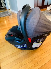 Britax B-safe carseat with base London, N6M 1L6