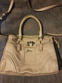 Ladies Guess Purse/Crossbody bag Maple Ridge