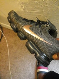 nike vapormax size 10  * New Orleans, 70131