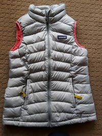 Patagonia girls silver quilted vest size 10 Leesburg, 20175