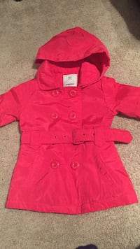 Girl's pink trench coat