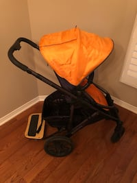 UPPAbaby 2012 Vista Stroller with accessories - Price negotiable