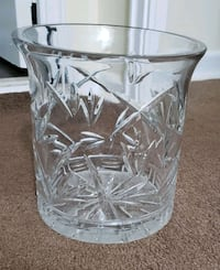 clear cut glass jar with lid Toronto, M4H 1J3