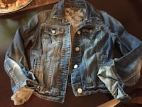 Jean jacket size small New Westminster, V3M 5H4