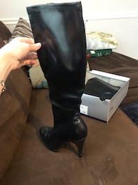 Womens knee high black boots Springfield, 22153