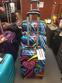 8 wheel drive fashion luggage Toronto, M4H 1J8