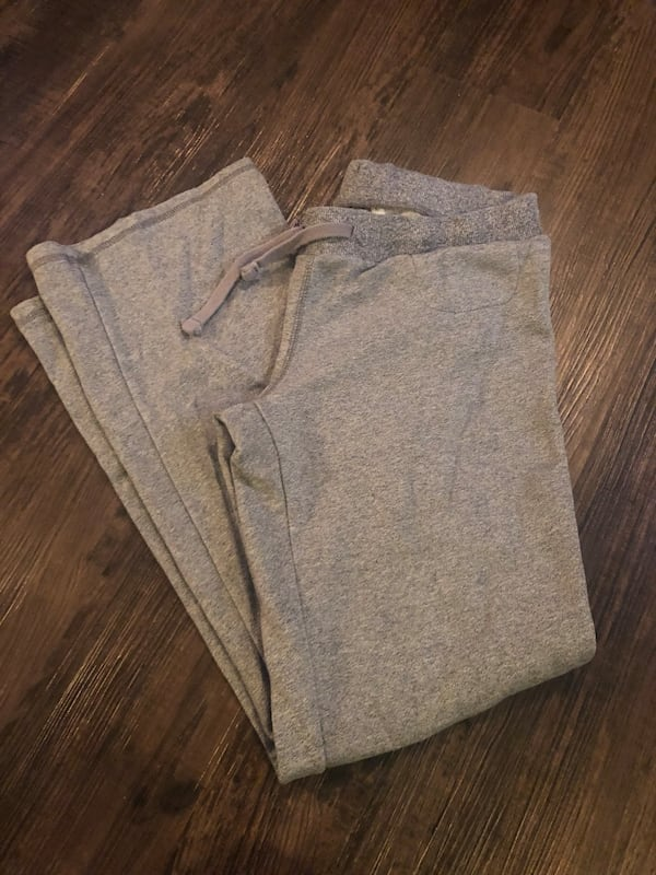 Comfy Roots & Columbia pants 2 for $8 1