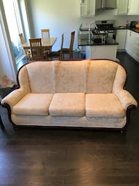 3 piece floral cream couch set East Gwillimbury, L0G