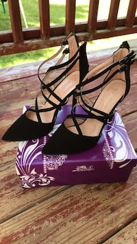 Womens shoes size 10 Omaha, 68104