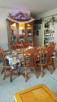 Dining table and 6 chairs with china cabinet and h Woodbridge, 22191