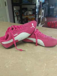 pink-and-white Puma sneakers Port Coquitlam, V3C 1R4