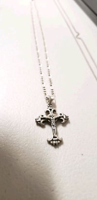 .925 Italian silver 24 in. chain and cross pendant Gaithersburg