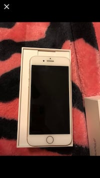 Gold iPhone 8 64gb unlocked The Colony, 75056