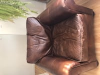 Restoration Hardware Lanchaster Learher Chair  3154 km