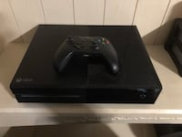Xbox one console with controller Jurupa Valley, 91752